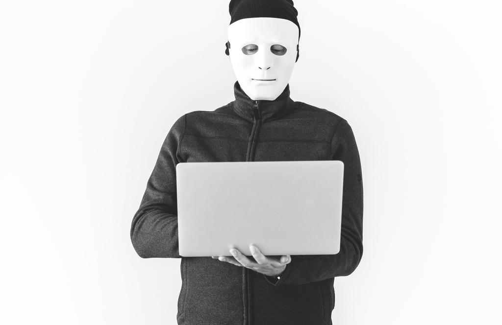 パスワードは流用しない。ソーシャルログインも、アプリが怪しい場合は利用しない。