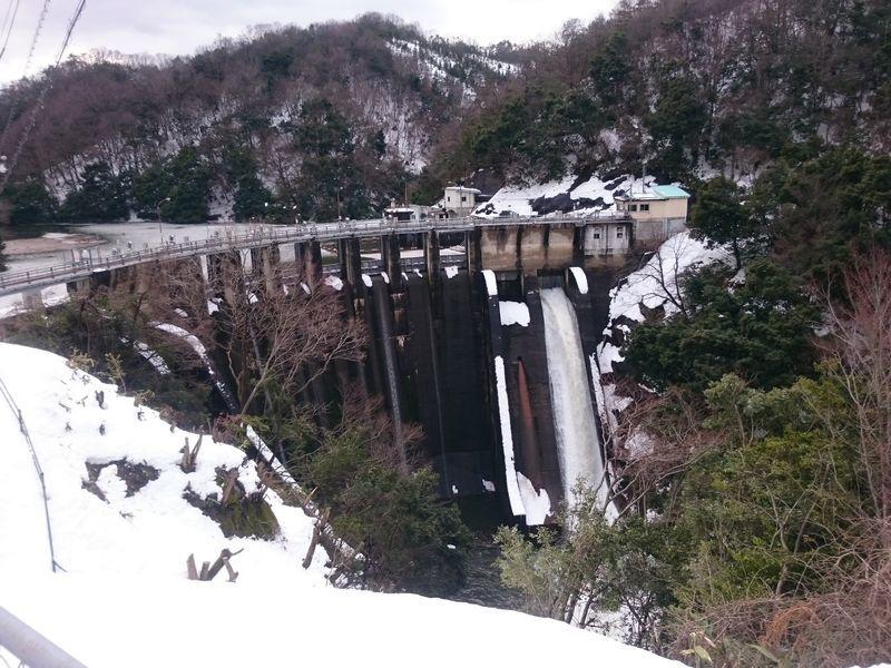 冬の三成ダム