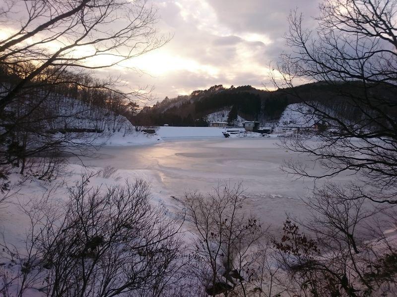 冬の恩原ダム