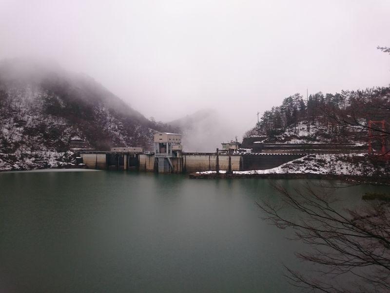 冬の王泊ダム