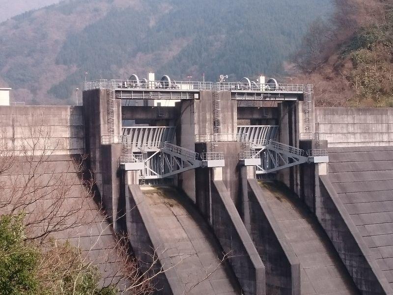 俣野川ダムゲート