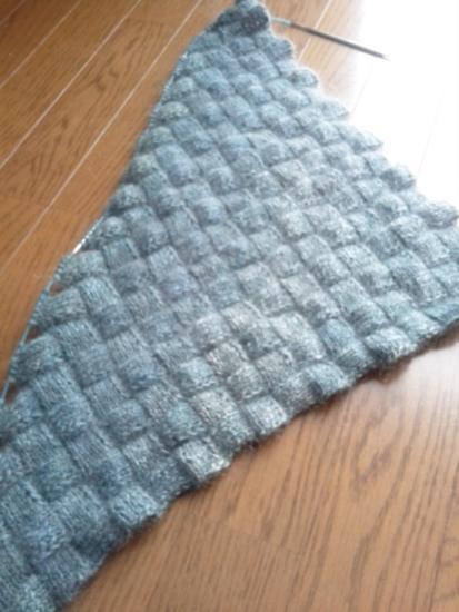 手紡ぎ糸とモヘヤ糸でバスケット編み
