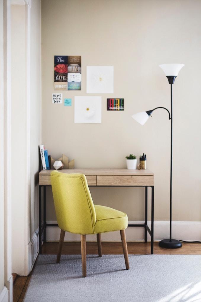 家のどこかに小さい仕事机でも置こうかしら。
