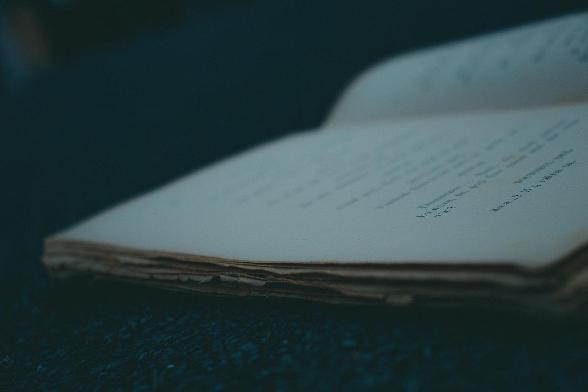 日記帳は取り出しやすい場所に置いておきます。