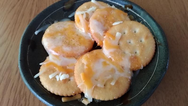 3種のチーズを使ったスナック菓子