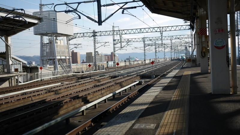 遠くに見え始めた新幹線