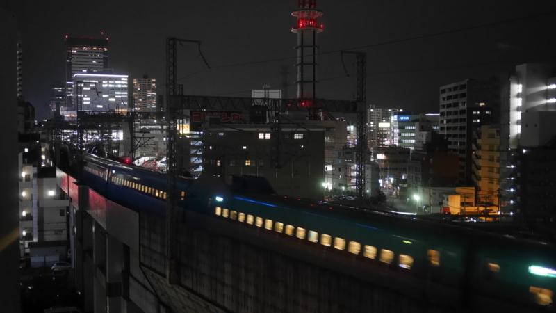 駅へ向かう新幹線6