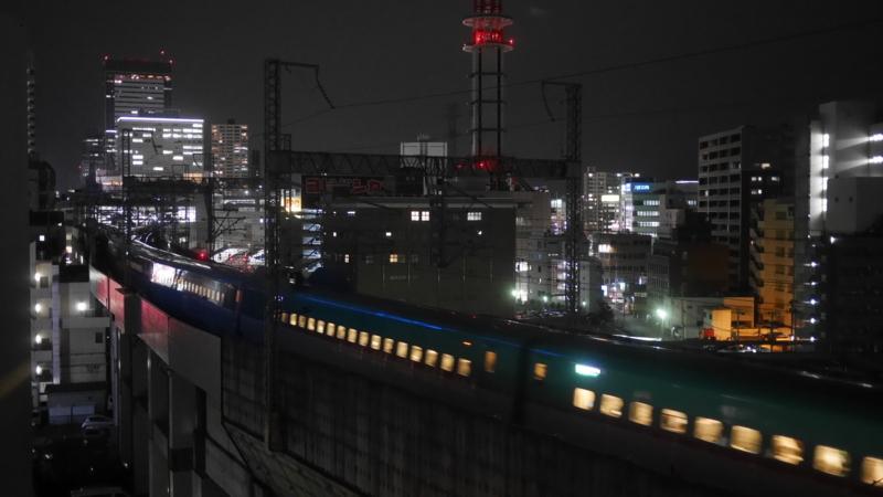 駅へ向かう新幹線9