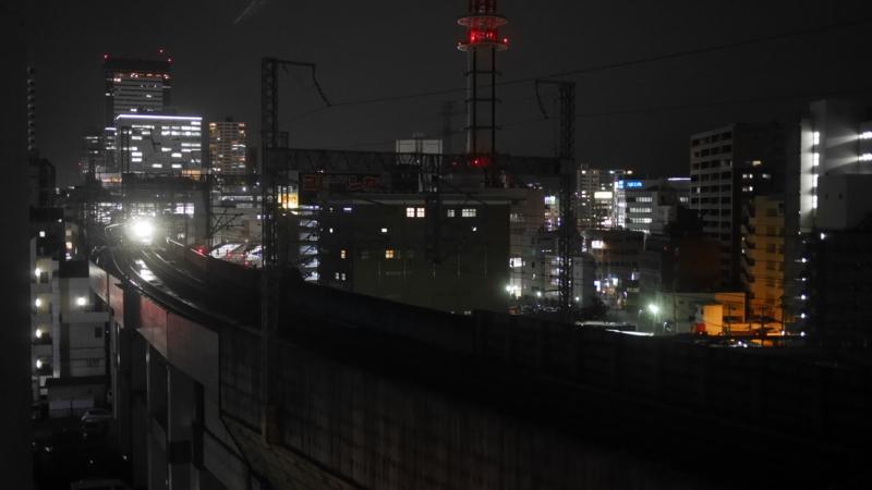 駅をスタートした新幹線1