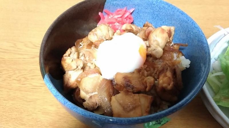 牛すき丼のアップ写真