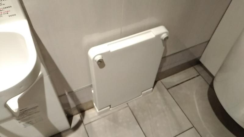 トイレの着替え台
