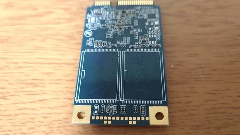 mSATA_SSDの裏側