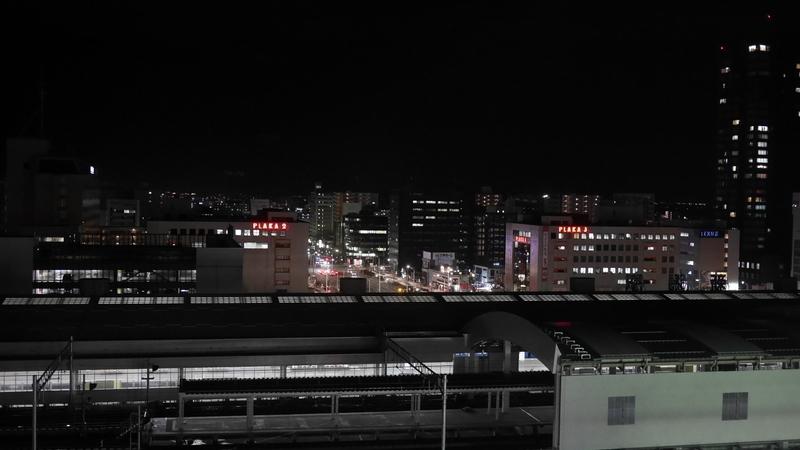 新潟駅の夜