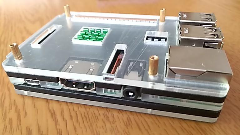 HDMIとmicroUSBポート
