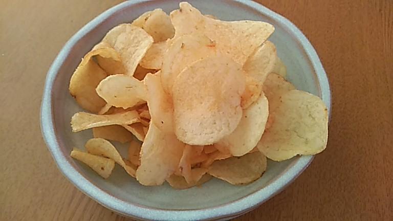 タレカツ味のポテチ