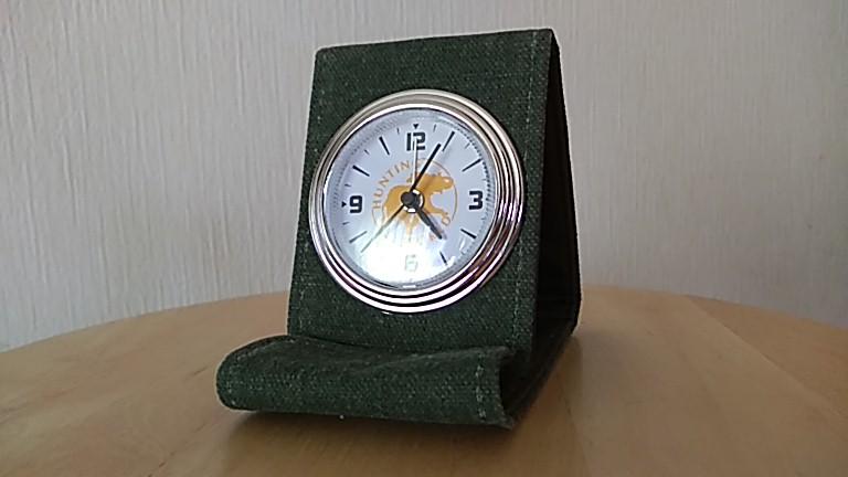 ハンティングワールドの布製時計