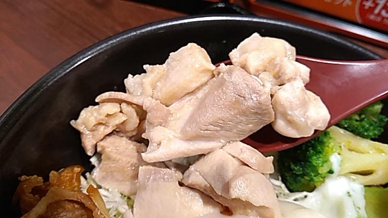 サラダの鶏もも肉