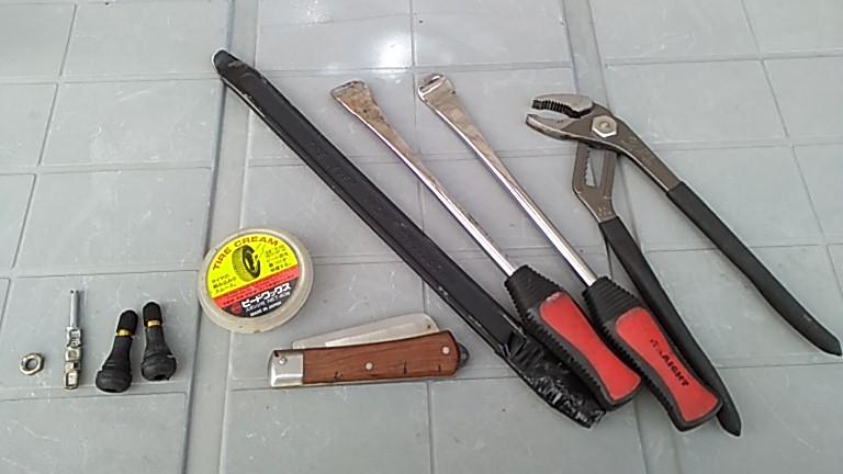 タイヤの手組みに必要な工具