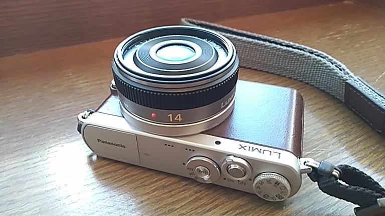 Panasonicの単焦点14mm