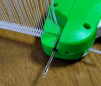 針はかなり太いものを使う