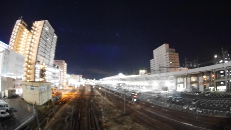 動きが少ない夜の駅