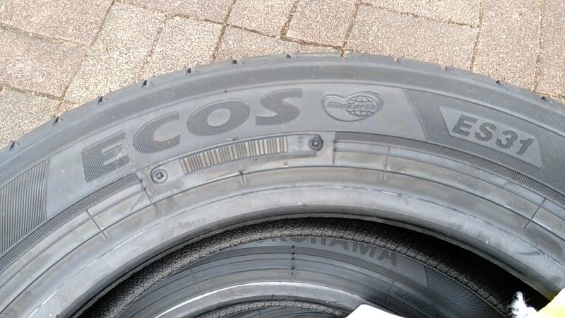 エコスES31のタイヤサイド