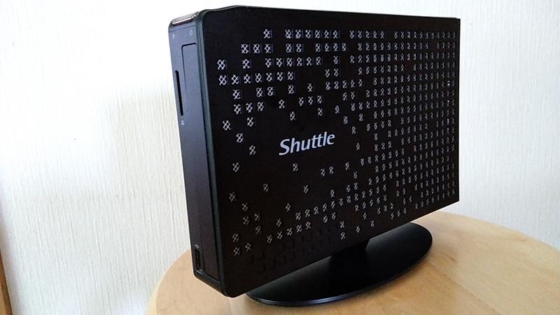 Shuttle XS35 V2の右側面