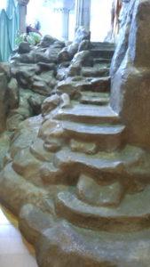 滑り台階段