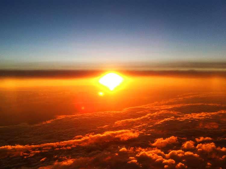 太平洋上の夕日