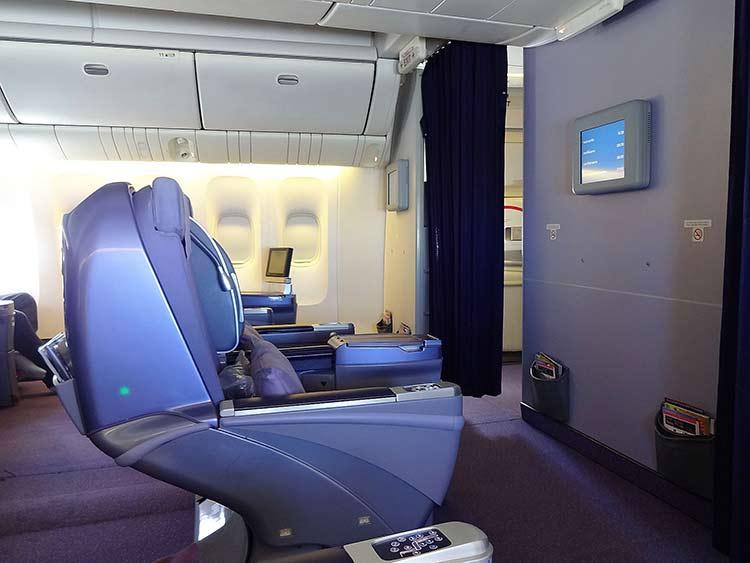 ビジネスクラス機内 タイ国際航空
