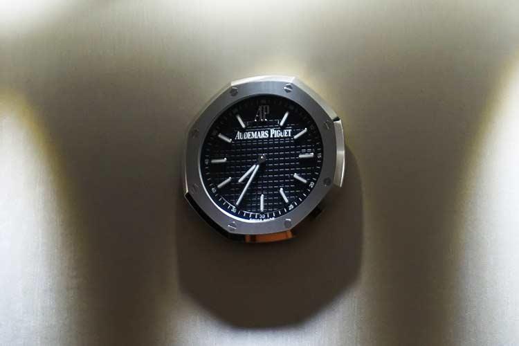 シルバークリスラウンジ 壁掛け時計