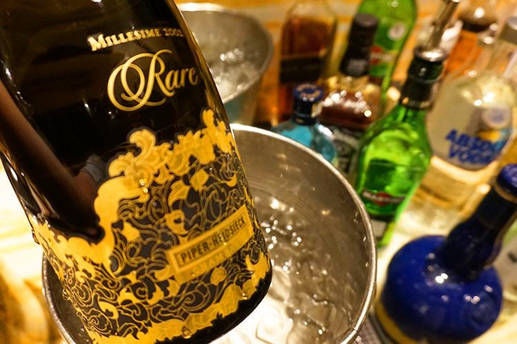 シルバークリスラウンジ(First class)シャンパン