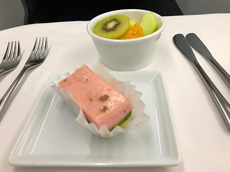ANA ビジネスクラス機内食 デザート