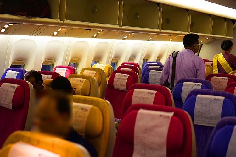 タイ国際航空 ボーイング777-200 エコノミークラス