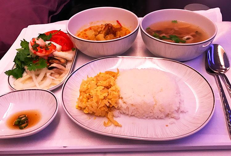 タイ国際航空 ビジネスクラス 機内食 メイン