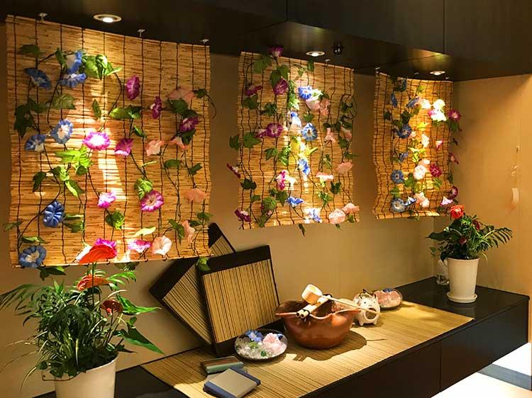 函館空港ラウンジ入口ディスプレィ