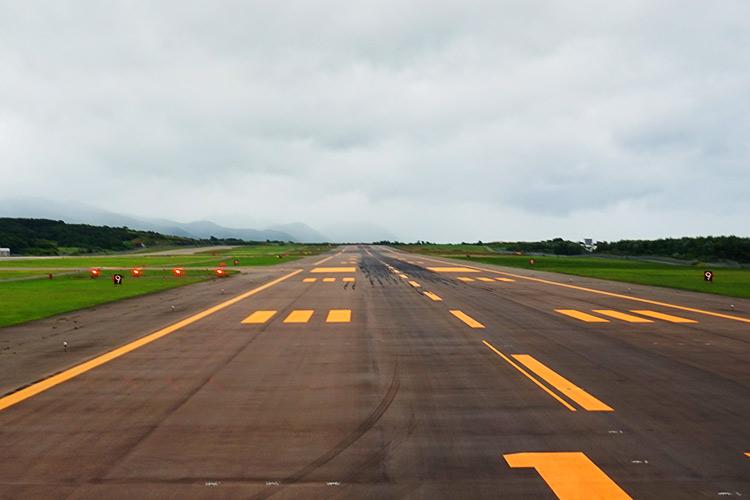 函館空港滑走路