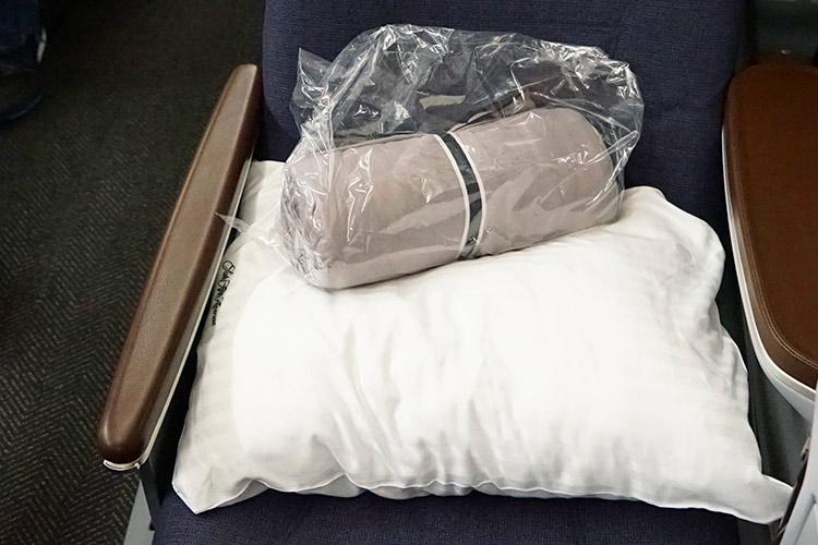枕 コンフォーター