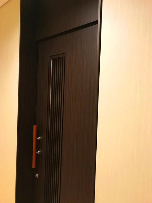 シャワー扉