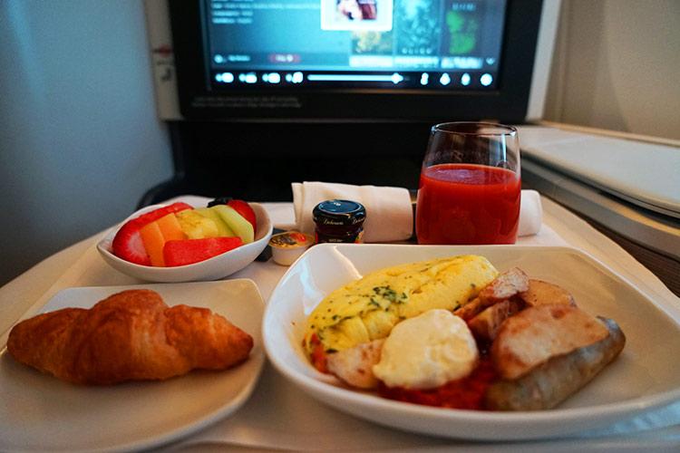 エアカナダビジネスクラス朝食