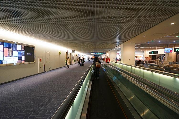 ターミナル1通路