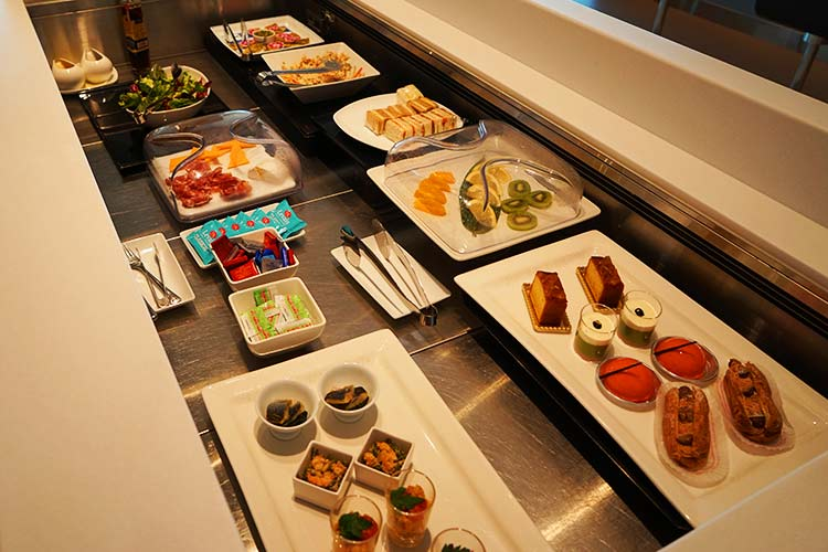 ANA suite lounge  食事