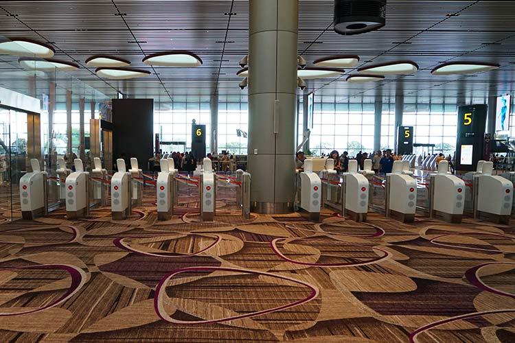 チャンギ空港ターミナル4出国自動ゲート