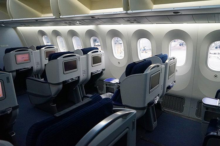 ANA B787ビジネスクラス機内