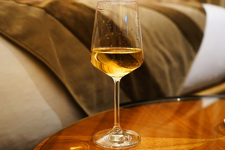 部屋飲みワイン