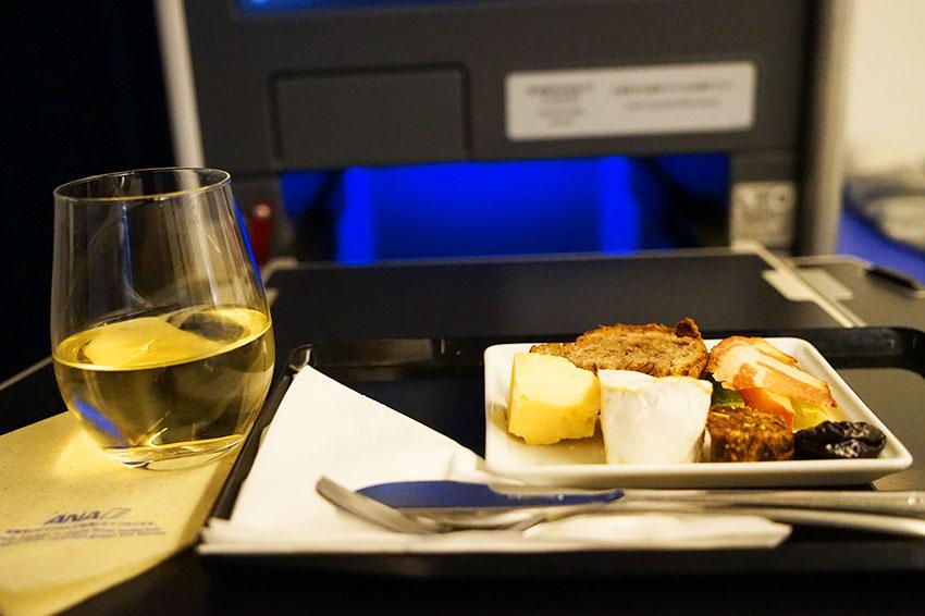 機内食 チーズプレート2