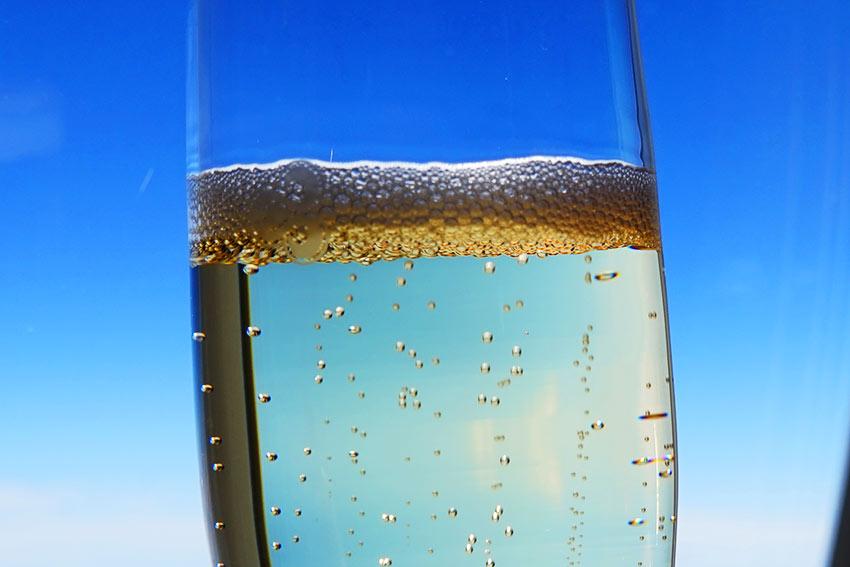 シャンパンと空