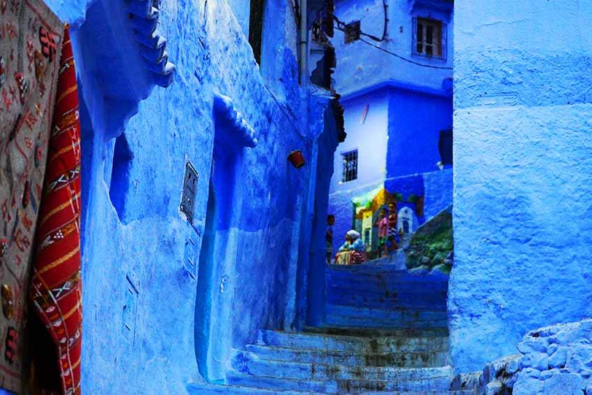 シャウエン青い壁