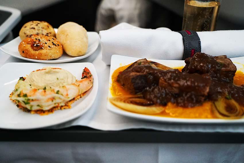 アビアンカ航空機内食