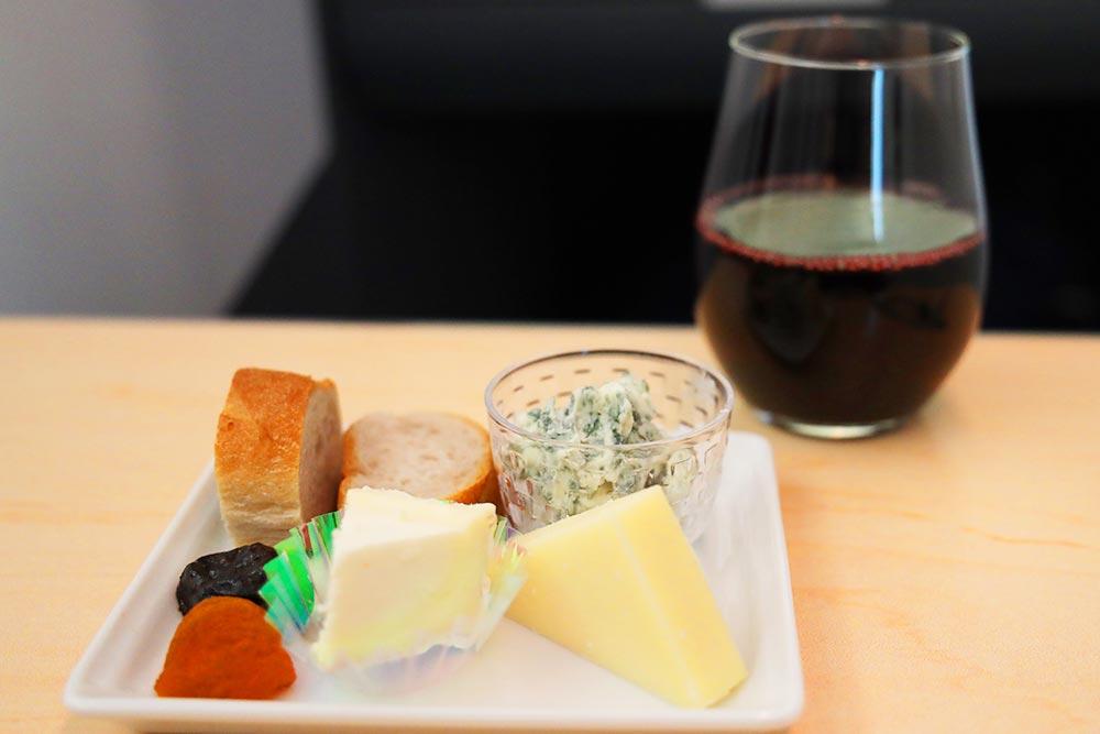 ANA ビジネスクラス チーズセット